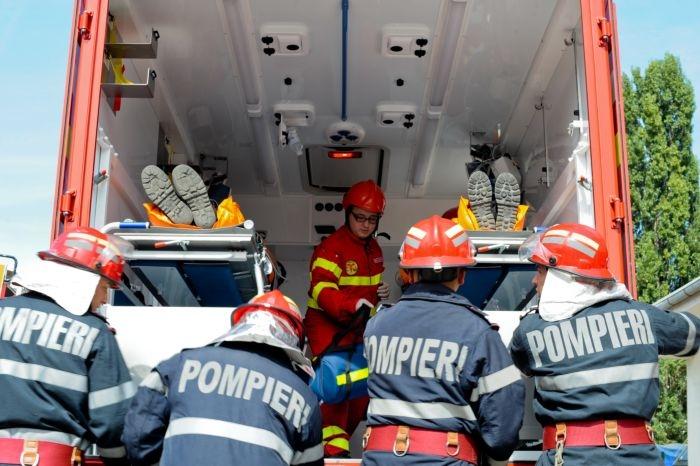 Imagini pentru pompieri
