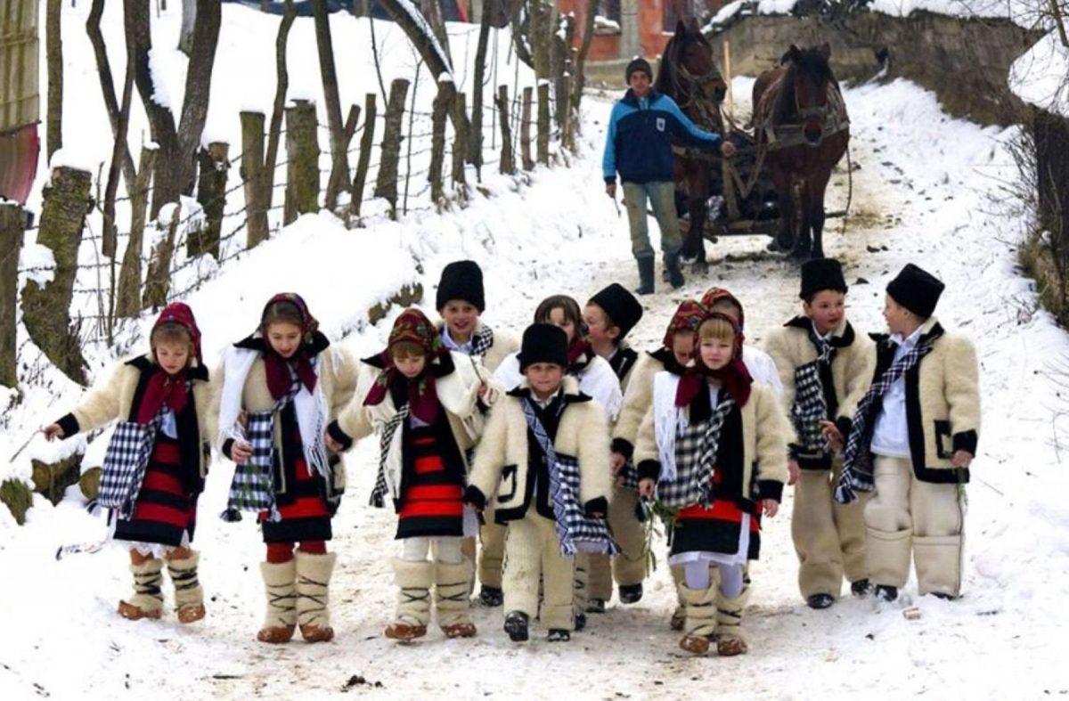 copii-colindatori